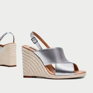 GORGEOUS NWT ZARA SILVER CROSSOVER WEDGES